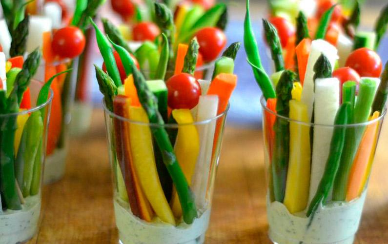 vasitos verduras con salsa